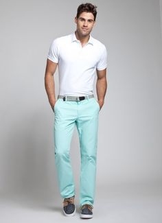 OMG!! I've been looking for mint colored pants for sooo long!