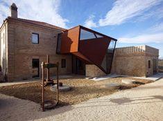 Restauro transforma moinho em habitação