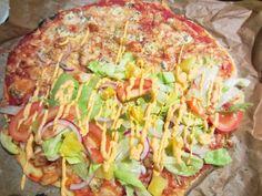 Piparkakkutalon akka - ruokablogi: Kotikutoinen kotzone, broilerpizzatasku