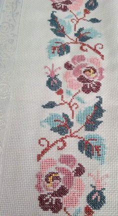 Cross Stitch Boarders, Butterfly Cross Stitch, Cross Stitch Heart, Cross Stitch Cards, Cross Stitch Designs, Cross Stitching, Cross Stitch Patterns, Sashiko Embroidery, Cross Stitch Embroidery