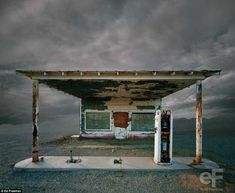 """From the series """"Desert realty"""" by Ed Freeman - abandoned buildings in the California Desert. Abandoned Buildings, Old Buildings, Abandoned Places, Bar Americano, Color Photography, Landscape Photography, Road Photography, Photography Portfolio, Vintage Photography"""