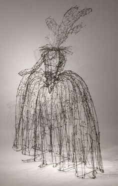 LESLEY DILL : SCULPTURE : WIRE