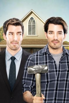 Jonathan Silver Scott & Drew Scott are the Property Brothers . luv me some Jonathan Silver Scott . the brother on the right! Jonathan Scott, Drew Scott, Hgtv Property Brothers, American Gothic Parody, Scott Brothers, Twin Brothers, Reality Tv, Best Tv, Movies And Tv Shows
