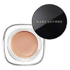 Supermom Lauren Brody, Executive Editor of Glamour Magazine loves Marc Jacobs Beauty Re(marc)able concealer. Click the image fore more of her beauty must-haves.