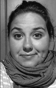 Durant un quatrimestre, he fet una fotografia selfie en un mateix planol però en diferents situacions i dies, exactament 9 selfies. Finalment, enquadrant-les i escalant-les totes, he pogut aconseguir aquest moviment de la meva pròpia cara, mostrant totes les meves facetes.  #identitatdigital #selfiesanimats #diferentfacetes #gif #GIMP #IDIA2017