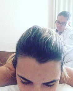 Hoje foi dia de massagem modeladora na @clinicaconcept  Gente e o tanto que a gente já desincha em uma única sessão?!? Toda mulher precisa se cuidar! Não se esqueça disso! #babydicas #vidademae #mamaesecuida