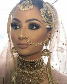 New indian bridal dress engagement walima 45 Ideas Indian Wedding Makeup, Asian Bridal Makeup, Bridal Makeup Looks, Indian Makeup, Indian Wedding Jewelry, Desi Wedding, Indian Beauty, Arabic Makeup, Asian Bridal Hair