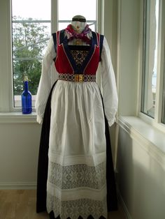 Folk Costume, Costumes, Scandinavian Art, Norway, Summer Dresses, Maya, Clothes, Dolls, Patterns