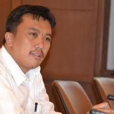 Judi Bola Atm Bri – Usai hukuman FIFA jatuh kepada sepakbola Indonesia, Menpora Iman Nahrawi ditagih janjinya sendiri yang diucapkan beberapa hari yang lalu.