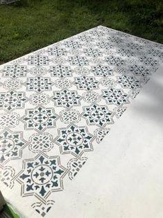 Patio Tiles, Patio Flooring, Outdoor Tiles, Laminate Flooring, Concrete Patio Designs, Backyard Patio Designs, Diy Patio, Painted Concrete Outdoor, Stencil Concrete