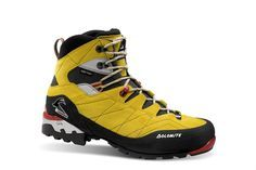 Dolomite Mountain Boots Steinboc su gtx. Incredible mountaineering boots. Great performance even in the most even difficult terrain and very nice design. Good choice for all kind of mountain enthusiasts. More info at: http://www.dolomite.it/outdoor/collection/footwear/steinbock-su-gtx-990