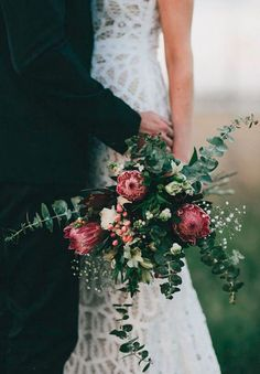 Wedding flowers native australian protea bouquet 68 ideas for 2019 Bouquet De Protea, Bouquet Bride, Rustic Bouquet, Bridal Bouquets, Bouquet Flowers, Rustic Wedding Bouquets, Eucalyptus Bouquet, Eucalyptus Branches, Runaway Bride