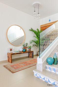Espejo grande en el recibidor Feng Shui, Ikea Hacks, Spiegel Design, Interior Design Living Room, Oversized Mirror, Bedroom Decor, New Homes, Furniture, Vestibule