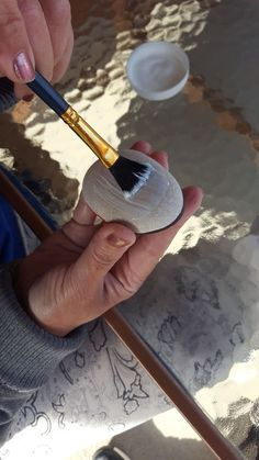 Welcome to the full step by step rock painting guide! Here you will find all of the information that you need on painting, labeling, sealing, hiding, and... #EverydayArtsandCrafts