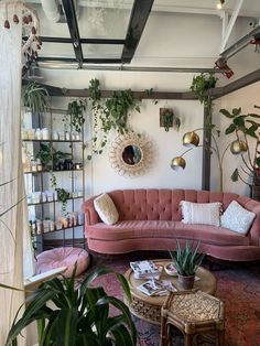 7 Stylish new ways to decorate with pink - Daily Dream Decor Source by nebulo. - 7 Stylish new ways to decorate with pink – Daily Dream Decor Source by nebuloes styles interior Dream Home Design, Home Interior Design, House Design, Room Interior, Interior Design Color Schemes, Bohemian Interior Design, Vintage Interior Design, Interior Lighting, Aesthetic Room Decor