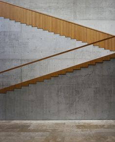 wood and concrete in the Georg Schafer Museum by Staab Architekten