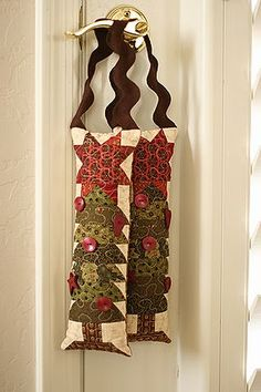 Quilted Holiday Hanger, by Kim Diehl
