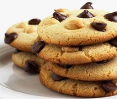 Chocolate Chip Cookies: With white and dark choc chips studded throughout these moreish cookies, you'll have them clamouring for more!. http://www.bakers-corner.com.auhttps://www.bakers-corner.com.au/recipes/cookies/chocolate/chocolate-chip-cookies/