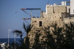 Red Bull Cliff Diving 2016 regressa à acção em Polignano a Mare