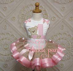 Teddy Bear Birthday Tutu Outfit Pink and sparkling por TicklePants