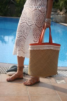Straw Bag with Tassels Straw Beach Bag. Straw Bag with Orange Leather Handles. Tote Bag Calling all the beach lovers! Summer Tote Bags, Beach Tote Bags, Leather Handle, Leather Bags, Straw Tote, Orange Leather, Everyday Bag, Orange And Purple, Pom Poms