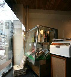 Popup: Elpee's Beat Shop at Creature Kornfeld Popup, Memoirs, Beats, Creatures, Music, Movies, Shopping, Style, Musica