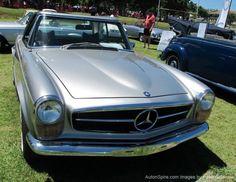 Stylish Mercedes - Cape Classic Car Show Classic Car Show, Classic Cars, Cape Town, Stylish, Vintage Classic Cars, Vintage Cars, Classic Trucks