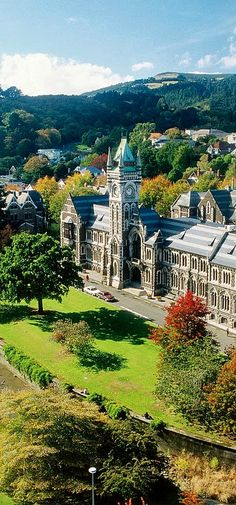 This beautiful building is the University of Otago, and is situated Dunedin - South Island, New Zealand ~ Nz South Island, New Zealand South Island, New Zealand Adventure, New Zealand Travel, Places To Travel, Places To See, Dunedin New Zealand, New Zealand Houses, New Zealand Landscape