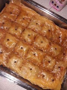 Greek Sweets, Greek Desserts, Greek Recipes, Desert Recipes, Food Network Recipes, Food Processor Recipes, Cooking Recipes, Cyprus Food, Apple Cinnamon Cake