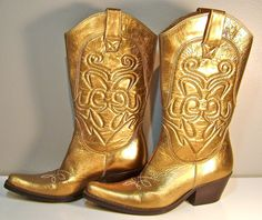 I need a gold shoe collection Gold Boots, Gold Heels, Cowboy Boots Women, Cowboy And Cowgirl, Golden Shoes, Glam Rock, Shoe Collection, Bronze, Golden Rule