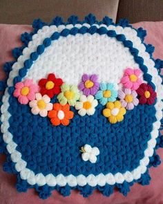 This Pin was discovered by Ünz Puff Stitch Crochet, Baby Knitting Patterns, Diy And Crafts, Crochet Necklace, Jewelry, Creative Art, Creativity, Seat Covers, Bathroom Sets