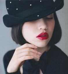 Kiko Mizuhara, love the look, especially the lip color !