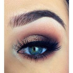 Lovely Eye Makeup For Prom ❤ liked on Polyvore featuring beauty products, makeup, eye makeup, eyes and beauty #Smokeyeyemakeup