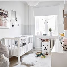 Obsessed with this nursery featuring our gorgeous @tellkiddo polar bear storage bag. The perfect neutral soft palette. Pic via @entrancemakleri