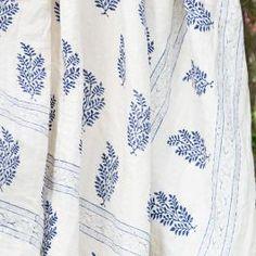 Crushed Linen Kantha Bedcover - Ivory / Cobalt