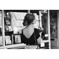 """""""Last days of August in London town - sunsets, loose buns and backless tshirts  @lorealparispolska #castinggirls"""""""