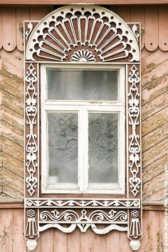 Wooden Russian house in the city of Vladimir; carved window platband. #architecture