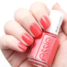 Essie Surf's Up collection - Sunset Sneaks #essie #nailpolish #nails