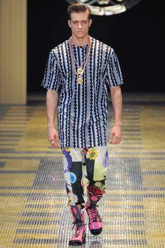 Versace Spring 2013 Menswear Collection Photos - Vogue