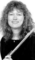 How to Clean a flute - From spot cleaning to sanitizing and complete disassembling by a professional. GOOD READ!