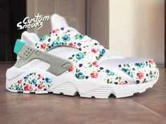 new styles 12984 2d5d6 Nike Huarache Custom Floral for Women, White on White Womens Custom Nike  Huarache, Teal blue, Hand Painted