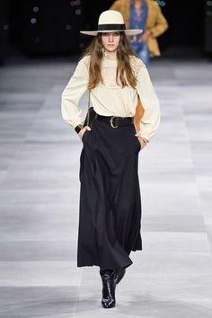 Celine Spring 2020 Ready-to-Wear Fashion Show Celine Spring 2020 Ready-to-Wear Collection - Vogue Ce 2020 Fashion Trends, Fashion 2020, Runway Fashion, Skirt Fashion, Boho Fashion, High Fashion, Fashion Design, Celine, Fashion Week Paris