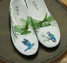Hey, I found this really awesome Etsy listing at https://www.etsy.com/listing/457338260/hand-painted-canvas-shoes-with-birds-us