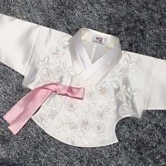 KOREAN HANBOK Korean Hanbok, Korean Dress, Korean Outfits, International Clothing, International Style, Korean Traditional Dress, Traditional Dresses, Dress Anak, Culture Clothing