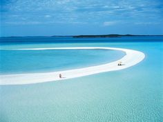 F.G. Saraiva: Banco de areia de 3,2 km se estende pelo mar em il...