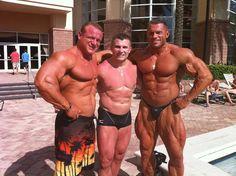 Muscle Lover: Huge Russian Evgeny Mishin