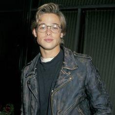 Brad Pitt mit Brille