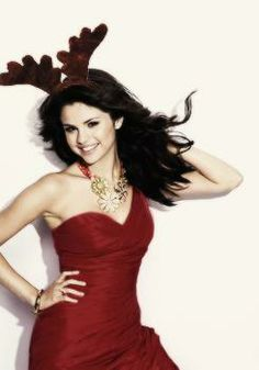 SelenaGomez Rain Is Dear and Christmas Is Cross Who Of allaWizteckWizards HazABestBuns?