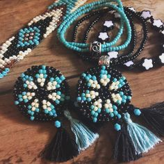 Beads accessory➳➸➴➼ #ビーズ#ビーズアクセサリー#ビーズ刺繍#ブレスレット#ピアス#ネイティヴ#ハンドメイド#boho#handmead#beads accessory#native american#pierce#bracelet