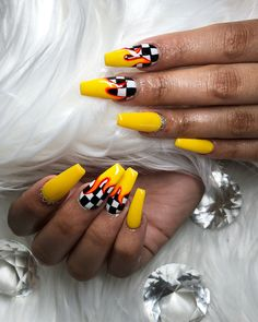 There are three kinds of fake nails which all come from the family of plastics. Acrylic nails are a liquid and powder mix. They are mixed in front of you and then they are brushed onto your nails and shaped. These nails are air dried. When creating dip. Summer Acrylic Nails, Best Acrylic Nails, Acrylic Nail Art, Acrylic Nails Yellow, Acrylic Colors, Simple Acrylic Nail Ideas, Cool Nail Ideas, Acrylic Nail Designs For Summer, Simple Nails